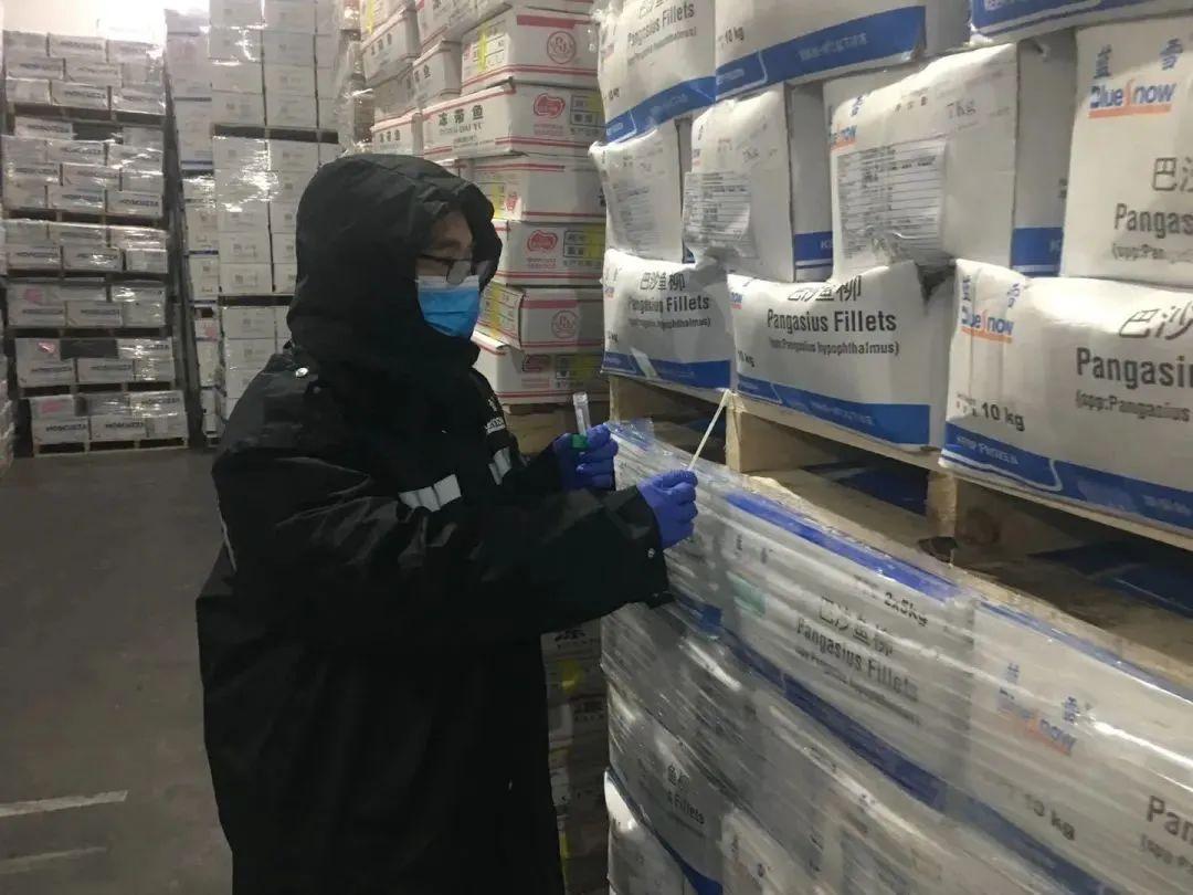 紧急排查这些冻虾产品!立即停售、封存、销毁!