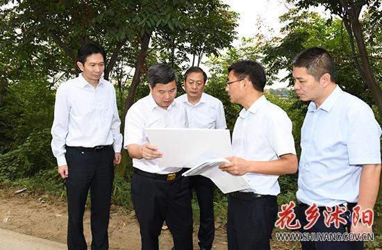 卞建军调研城区重点项目建设工作