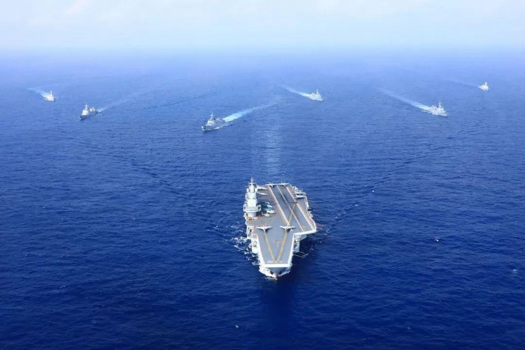 """外媒解读:中国罕见展开""""双航母出巡"""""""