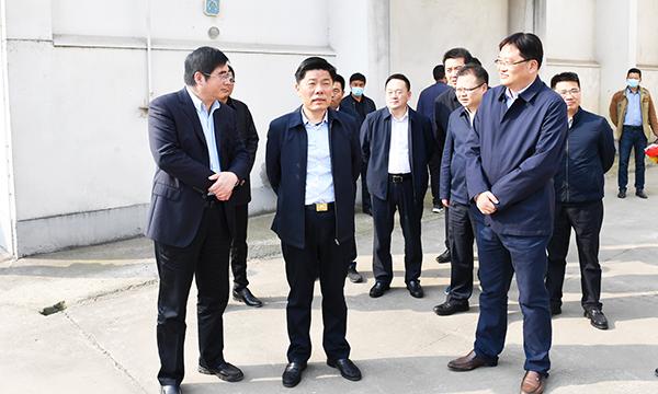 彭伟赴潼阳镇现场调度粮食购销工作时强调担负粮食安全政治责任 提升粮食安全水平