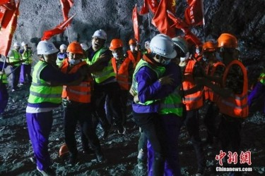 中国最北高铁最后一座隧道顺利贯通