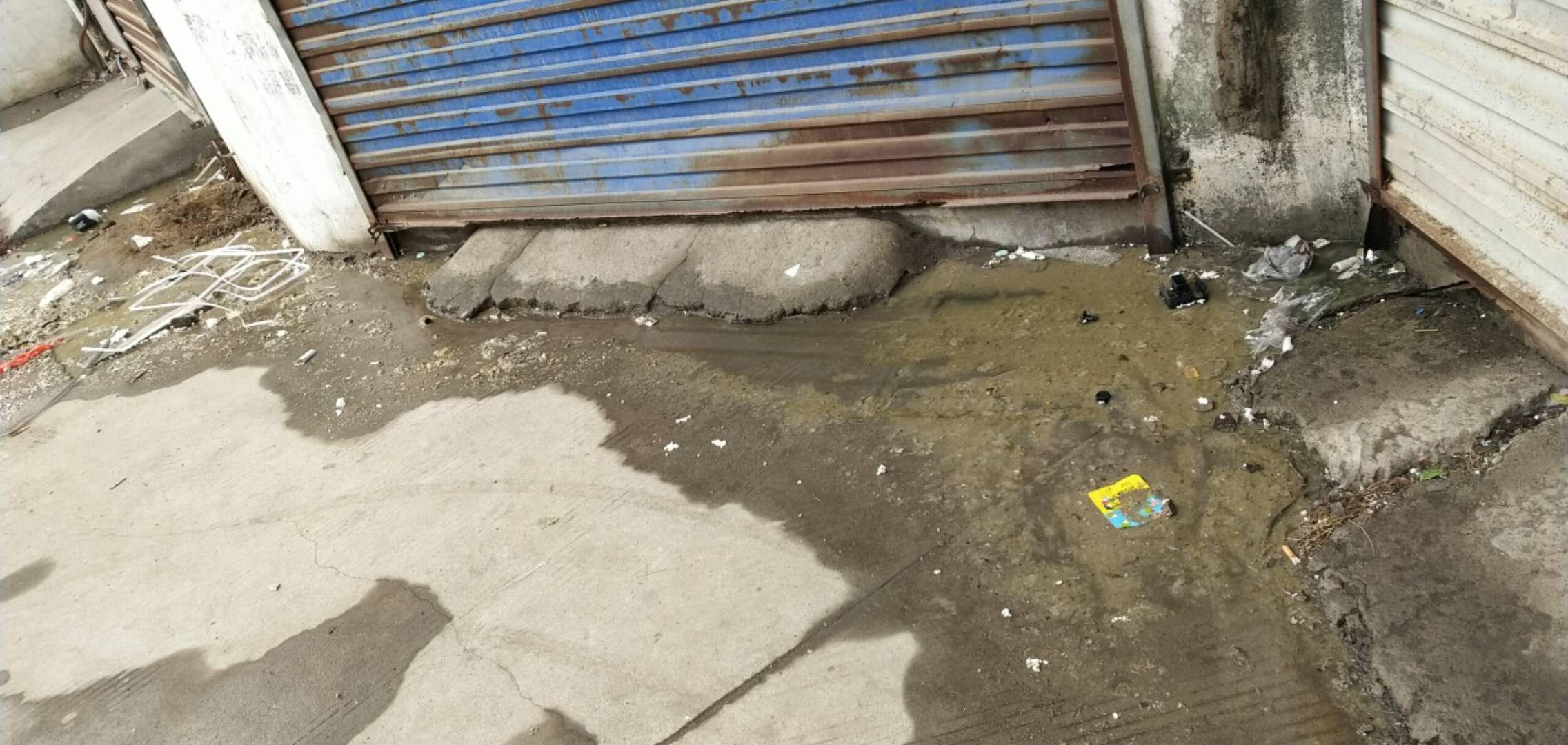 沭阳综合市场屎水外漫没人管