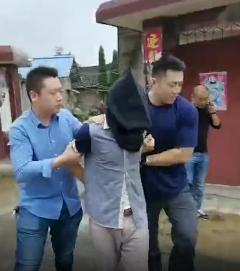 沭阳路段拦车杀人犯被捕视频曝光!