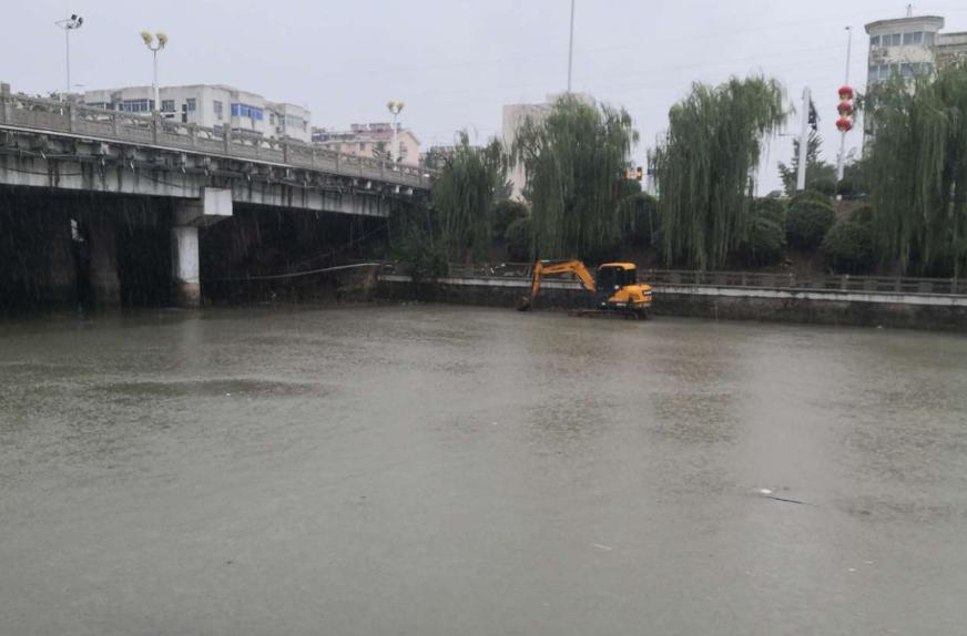 雨一直下,环城河的水一直在涨