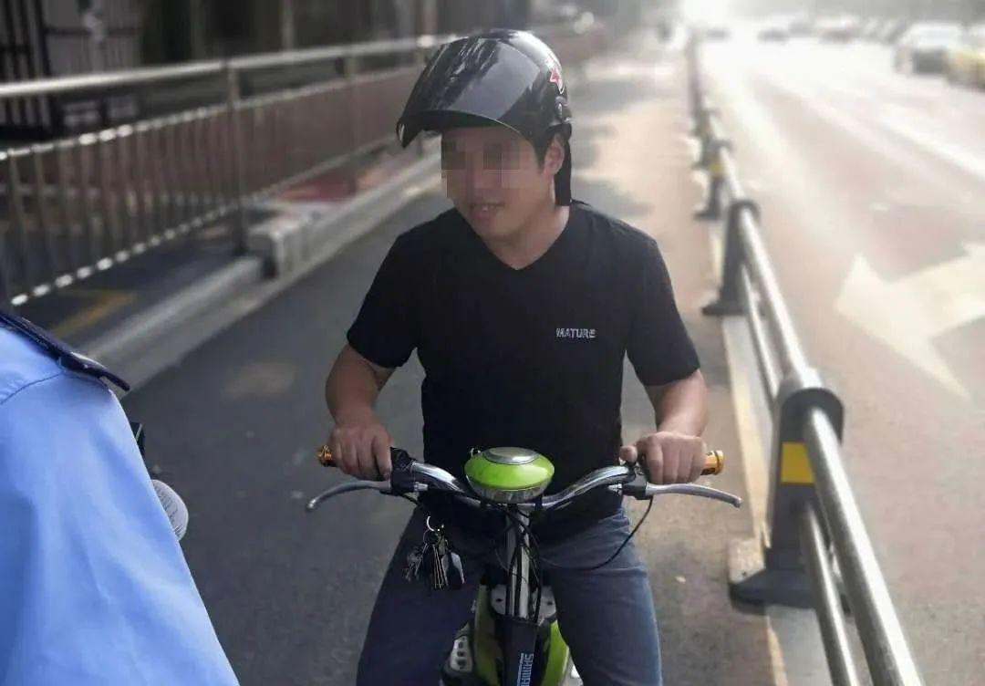 骑电动车不戴头盔!沭阳多名男女在大街上被实名曝光!