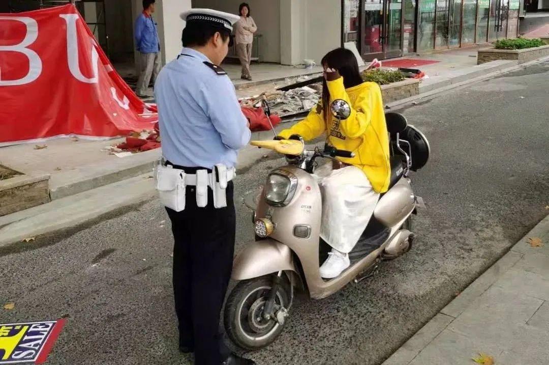 沭阳街头这些骑手不戴头盔,又被曝光了!