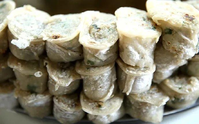 """沭阳钱集传统特色美食芋粉卷,据传曾为清康熙年间御膳,还被喻为""""猪肠子"""""""