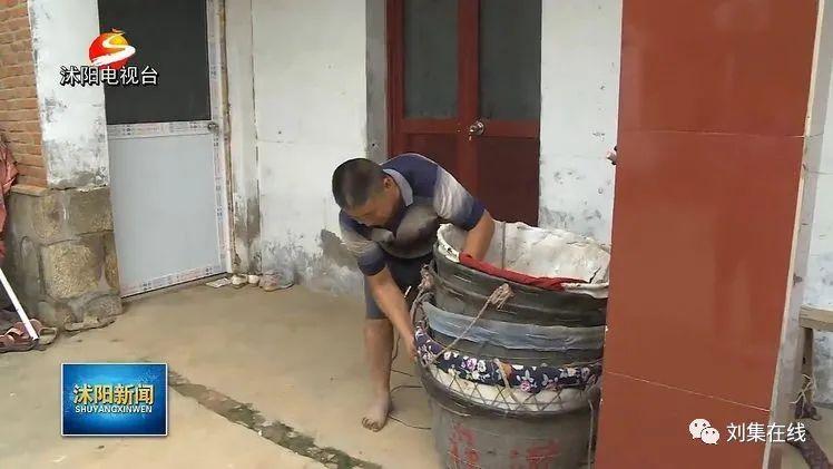 """【脱贫系列故事】蒋福新:大棚西瓜""""圆""""了脱贫梦"""