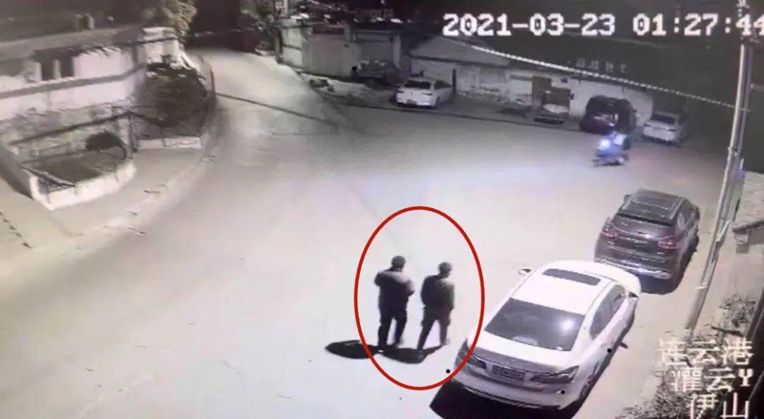 两无业男子流窜至沭阳,深夜翻窗入室盗窃店铺财物